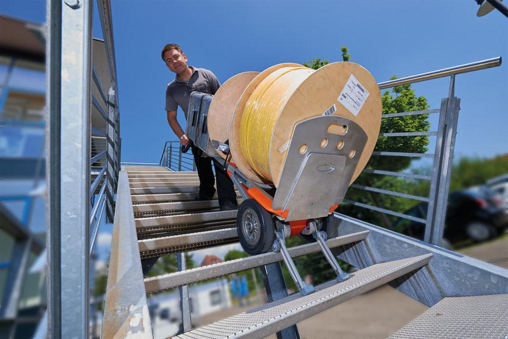 carrello saliscale elettrico per elettrodomestici CargoMaster CC160